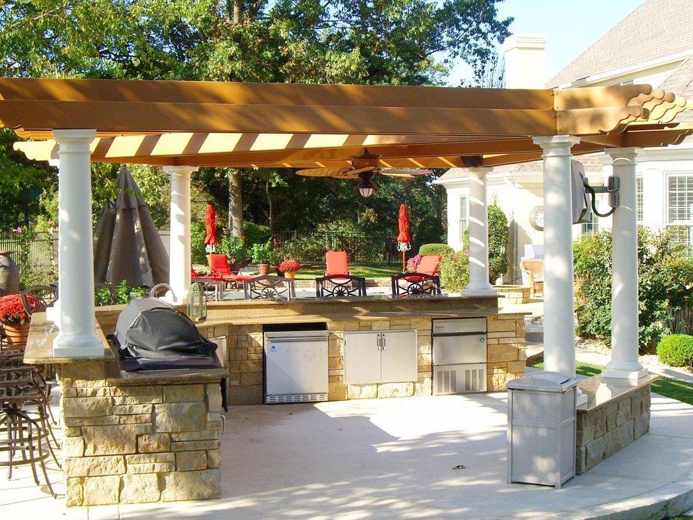 london-ontario-best-landscaper-backyard-patio-12.jpeg
