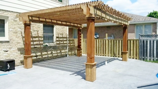 london-ontario-best-landscaper-backyard-patio-09.jpeg