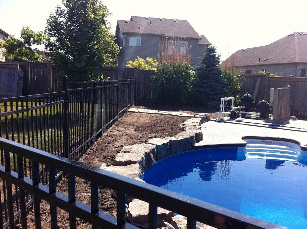 london-ontario-landscaper-pool-pond-design-garden-company-hunter-home-garden-02.jpeg