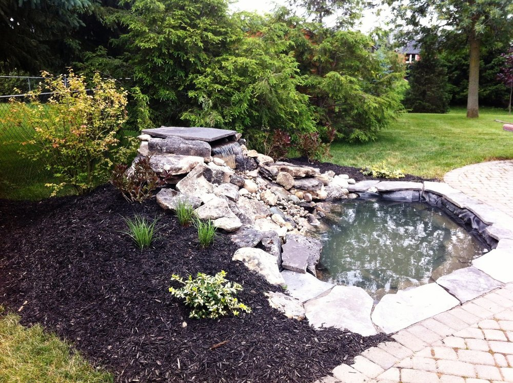 london-ontario-landscaper-pool-pond-design-garden-company-hunter-home-garden-05.jpeg