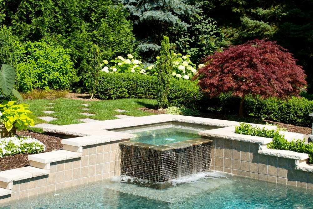 london-ontario-landscaper-pool-pond-design-garden-company-hunter-home-garden-09.jpg