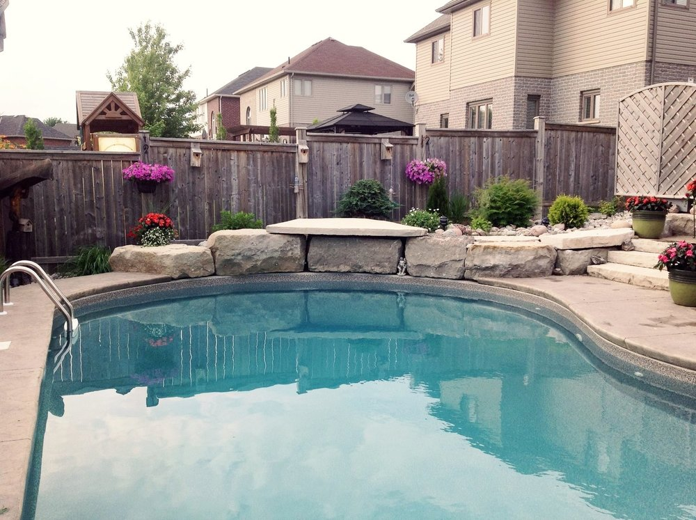 london-ontario-landscaper-pool-pond-design-garden-company-hunter-home-garden-11.jpg