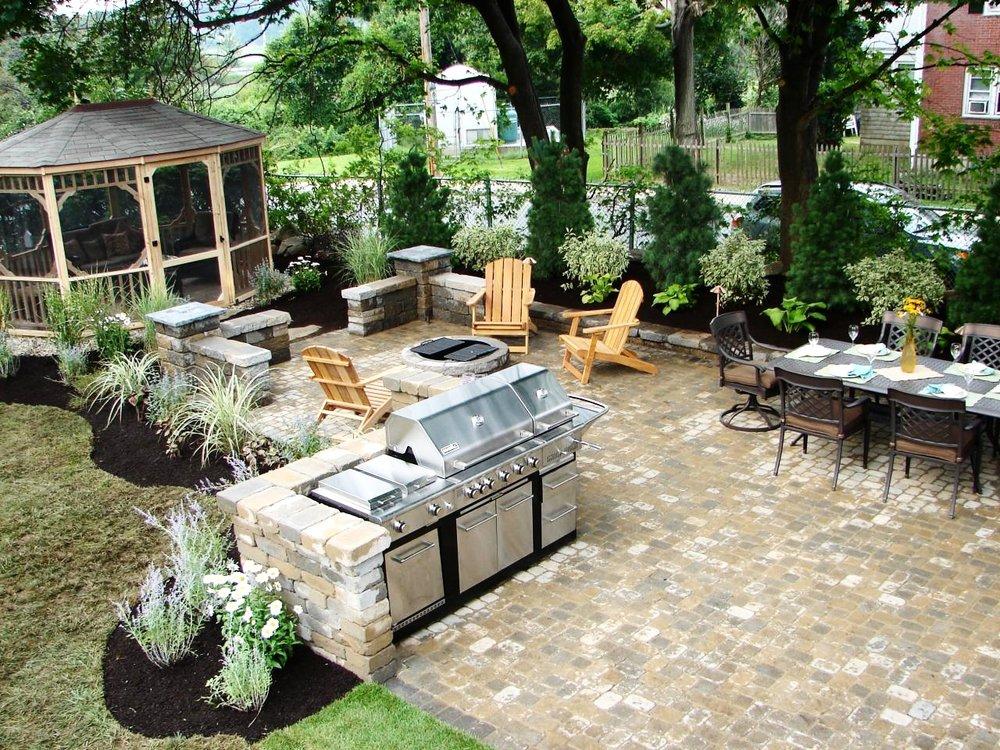 london-ontario-driveway-stone-firelpace-patio-landscaper-05.jpeg