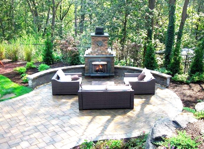 london-ontario-built-in-barbecue-bbq-grill-backyard-stone-landscaper-03.jpeg