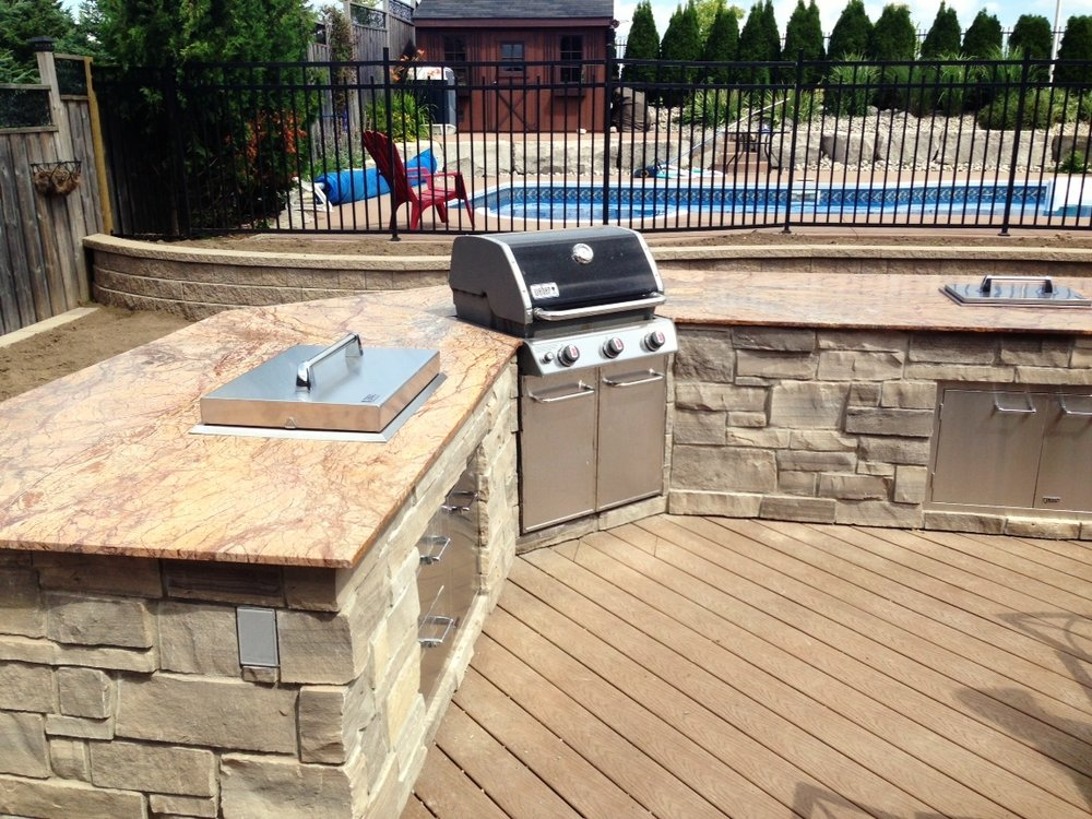 london-ontario-built-in-barbecue-bbq-grill-backyard-stone-landscaper-08.jpeg