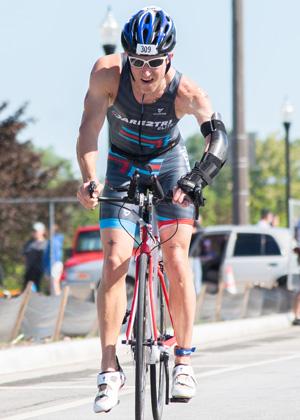 Athlete Andre Cilliers racing at Leon's Triathlon.