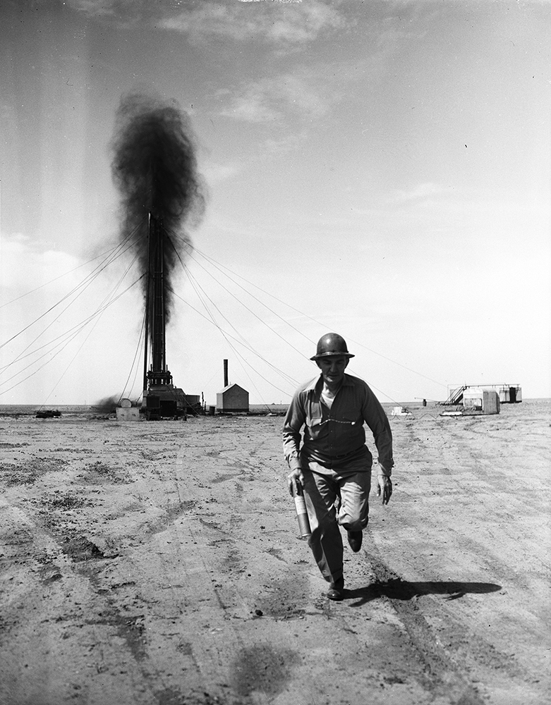 Tex Thornton, nitro man and oil well firefighter, June 1940, © Robert Yarnall Richie Courtesy SMU Central University Libraries