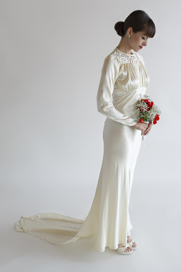 Vintage 1930s Wedding Gown