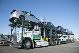 Car-hauler truck front view