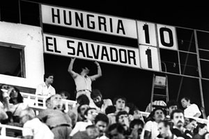 The scoreboard after El Salvador's first World Cup match in 1982.