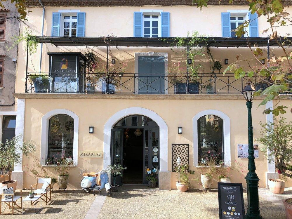 Mirabeau en Provence 5 Cours Gambetta 83570 Cotignac.JPG
