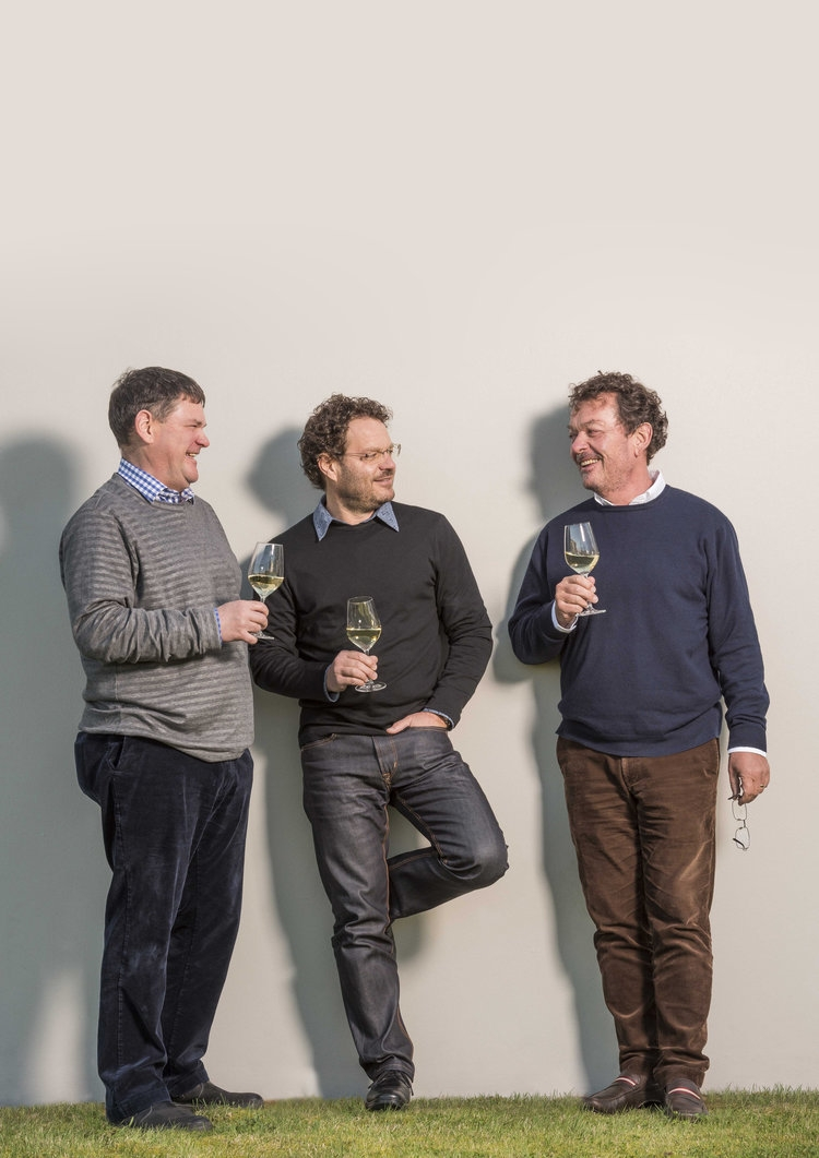 Giesen+Brothers_Alex+Marcel+Theo_glass+wine_laughing_vertical.jpg