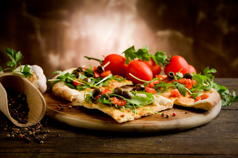 photodune-1090323-vegetarian-pizza-m.jpg