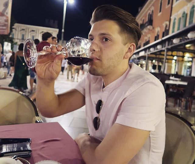 """The Italian belief that wine was a daily necessity made the drink """"democratic"""" and ubiquitous; in various forms, it was available to slaves, peasants, women and aristocrats alike..."""" Cheers 🍷🍷🍷 . . . . . . . #wine #italian #roman #verona #arenadiverona #piazzabra #vino #víno #italianwater #fitforthegods"""