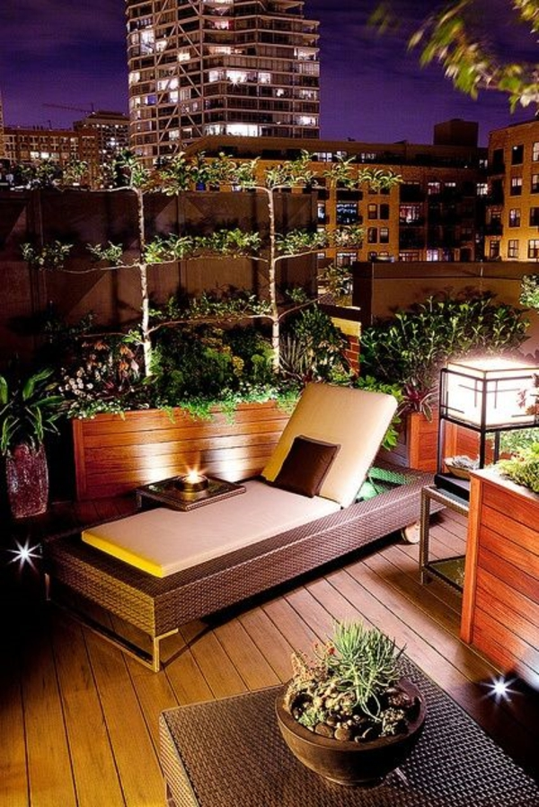This is another example of basic lighting but with a modern flare.    Since the space is minimal with this skyline suite they only need a couple forms of lighting to illuminate the space.    This modern lighting offers an element of excitement in this backyard paradise.    Image as seen on freshideen.com
