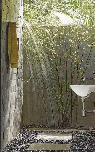 outdoor shower 2.jpg