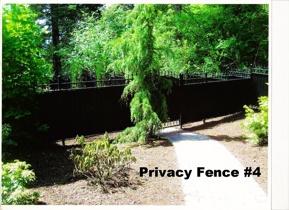 privacy fence for houses with dogs