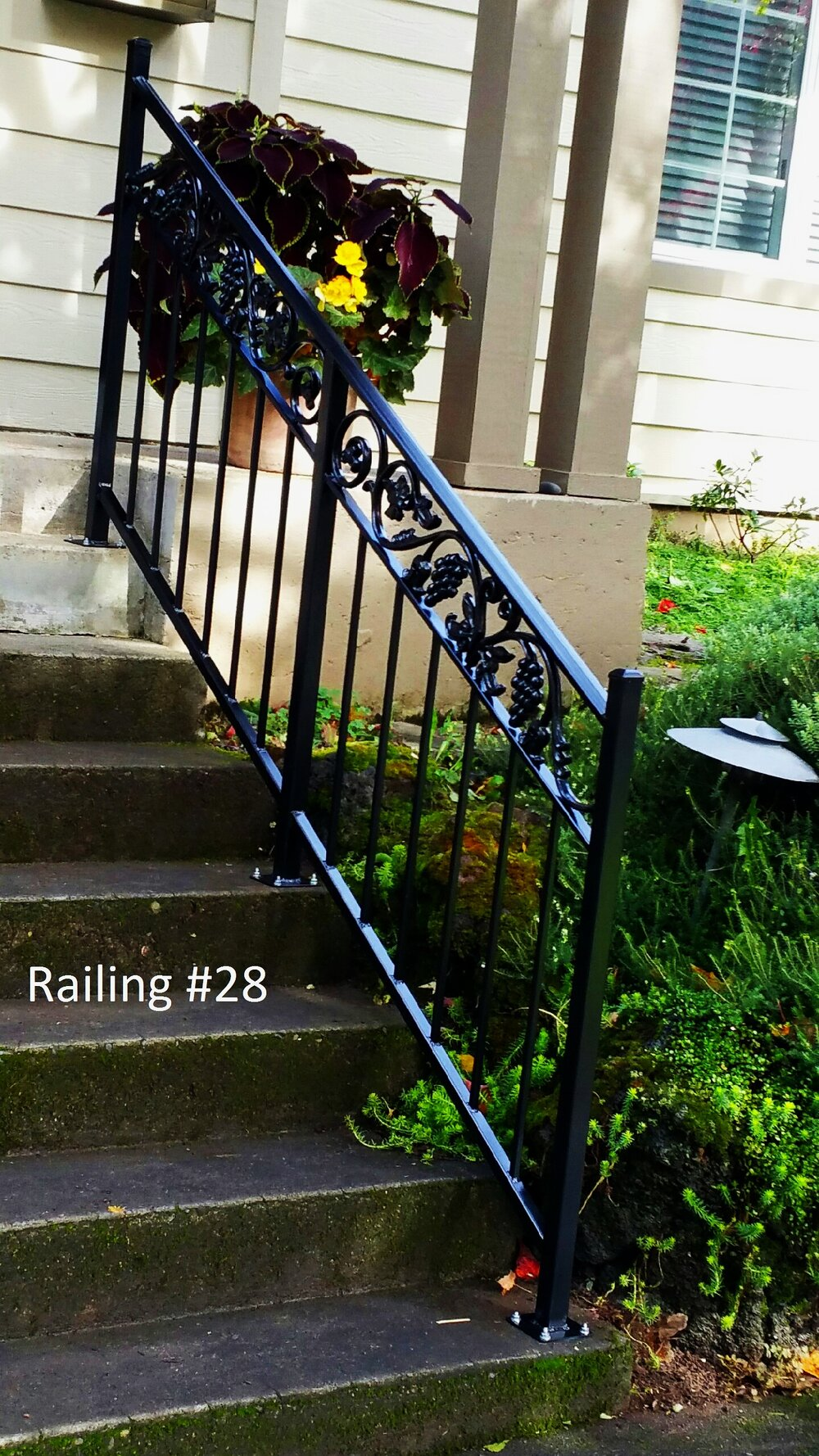 railing with grape casting on top