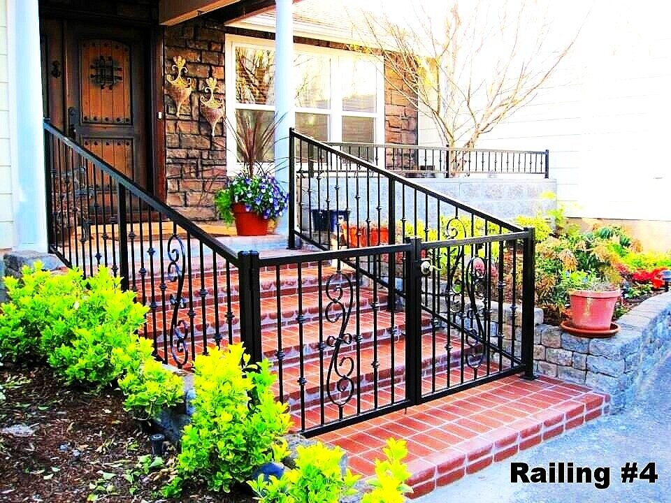 railing/fence with door lock and scrolls