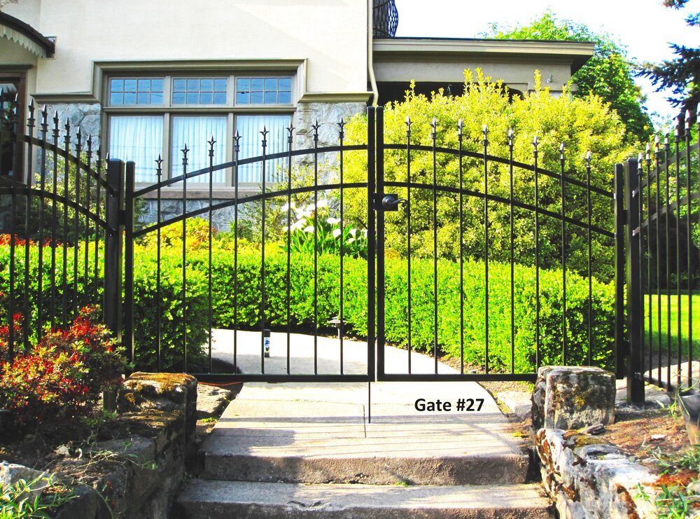double swing pedestrian gate with door lever and key lock