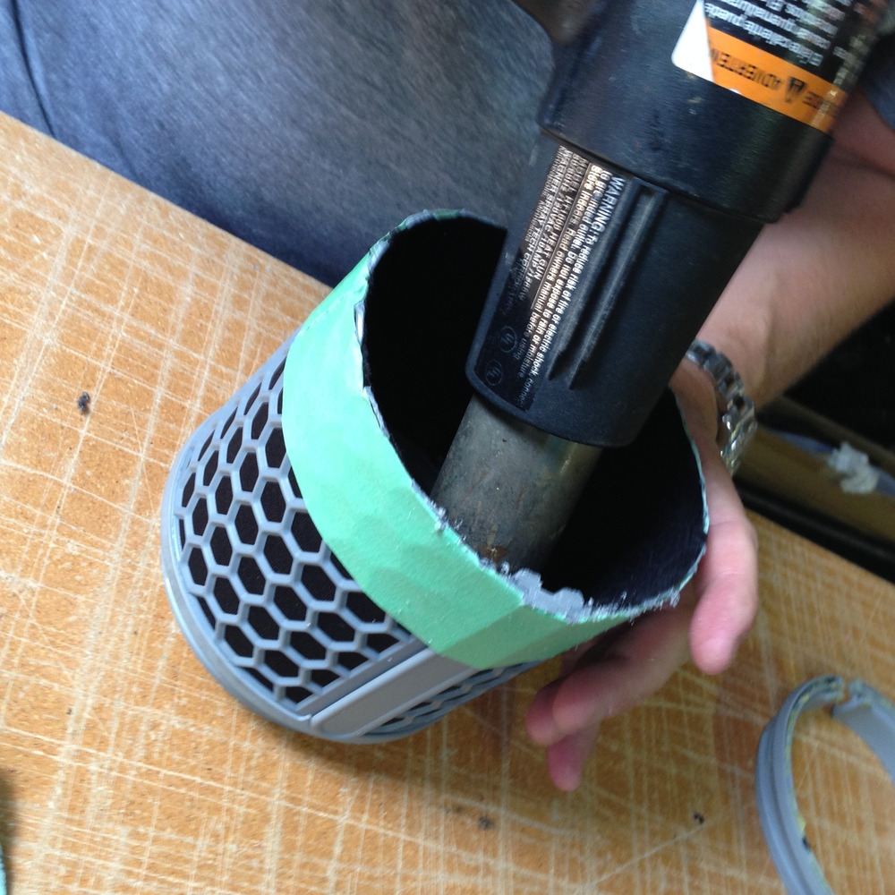 05 - With the Heat Gun we applied high temperature to the inside of the blimp (where it attaches to the end cylinder rings). This only took a few seconds to loosen the glued on end cylinder rings.