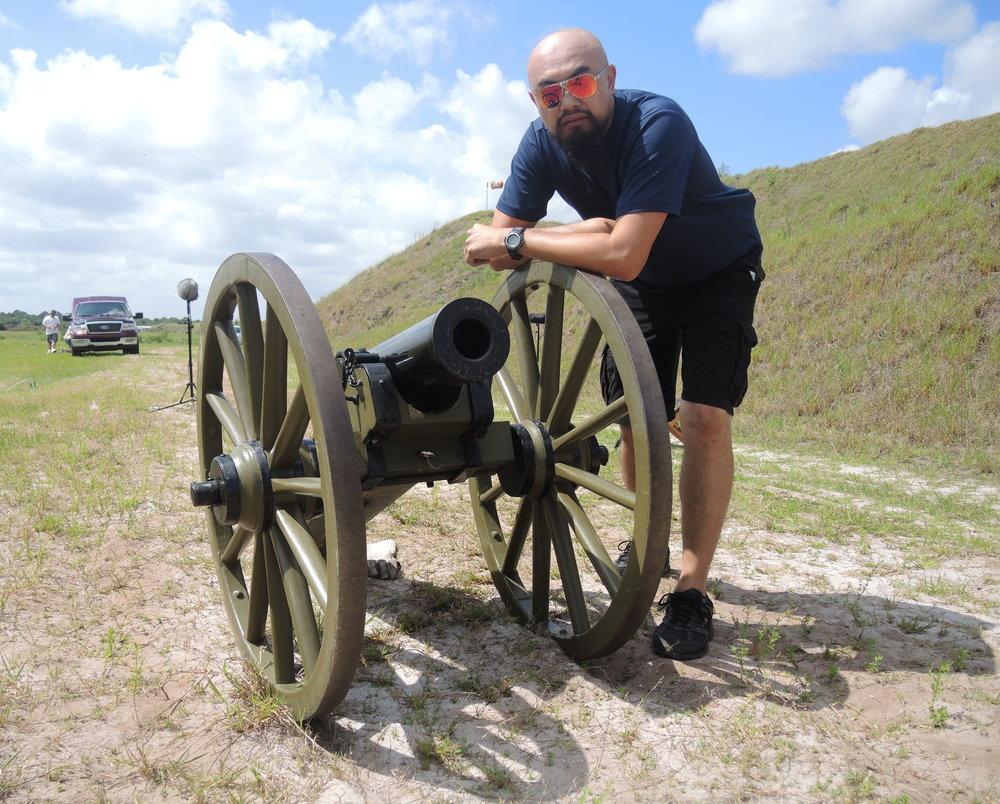 Posing with a Mountain Howitzer, an American Civil War Cannon!