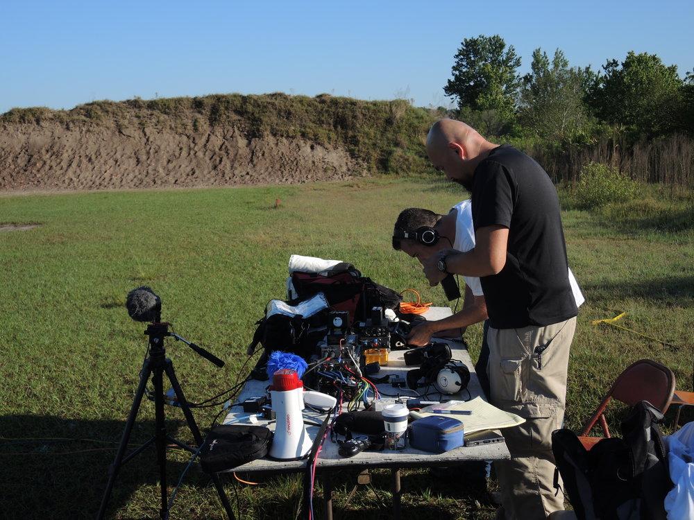 DSCN9858 Watson & Jesse setting up.JPG