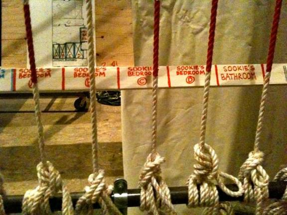 ropes-of-the-set.jpg