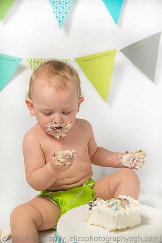 First Birthday :: Pittsburgh :: e.liza photography ;; www.elizabethphotographypgh.com