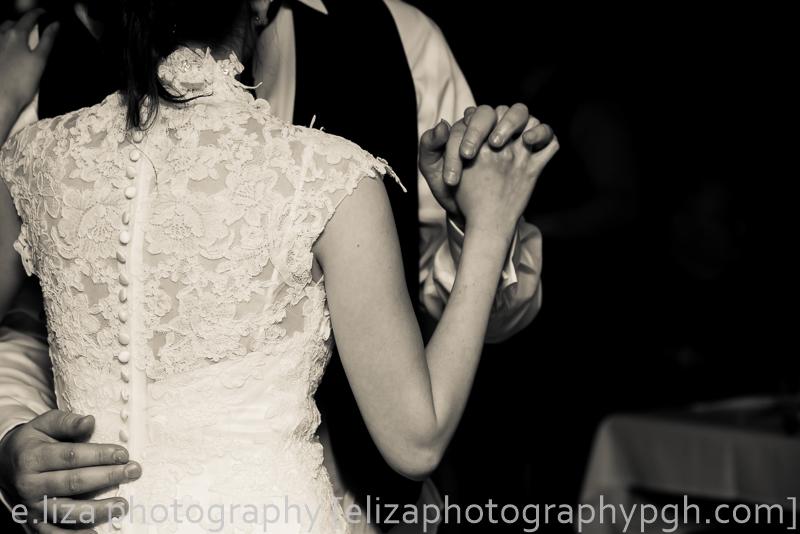 Wedding Photography :: Pittsburgh :: e.liza photography :: www.elizaphotographypgh.com