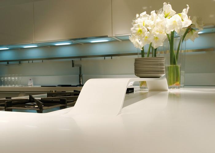 Ciesse-Alequadro-Kitchen-HI-MACS-02_GqeNxvzE_f.jpg
