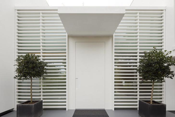 HI-MACS-House-Main-Front-Door-by-Karl-Dreer-and-Bembé-Dellinger-Architects.jpg