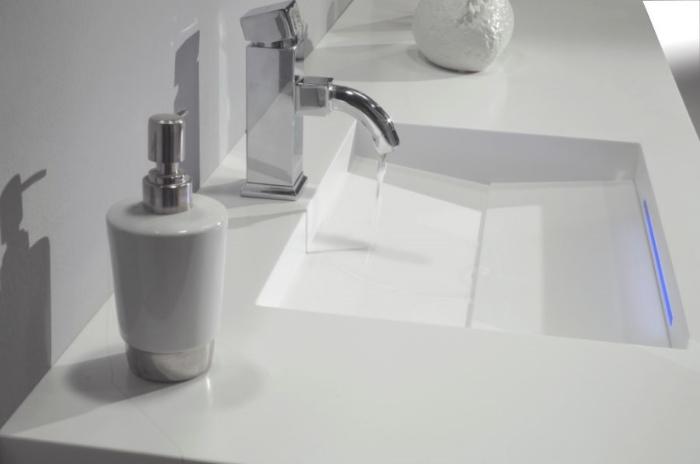 HI_MACS_Alpine_White_Bathroom_Moblajes_Anchelu_02_hnI9eKvm_f.jpg