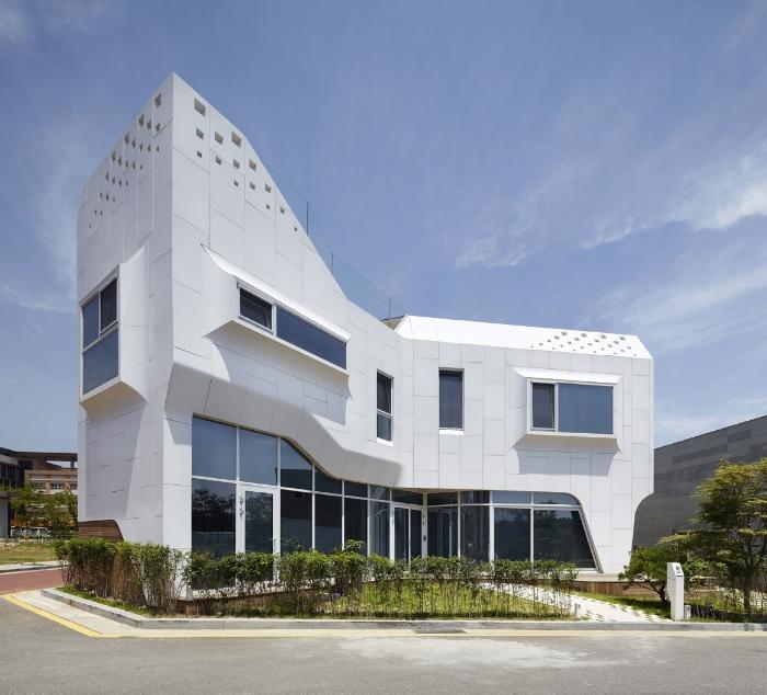 revestimientos-fachada-compuesto-mineral-62441-5155731.jpg