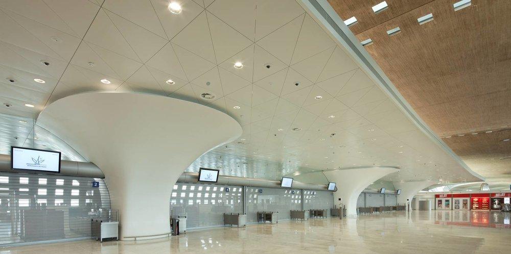 hi-macs_cdg_airport_01_0.jpg