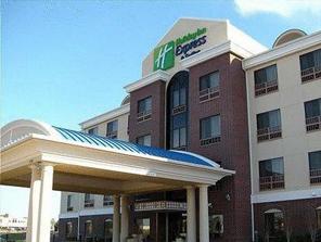 hotel Holiday Inn Express Bartlesville.jpg