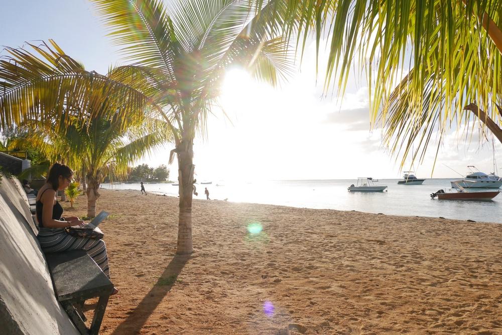 working_on_beach_mauritius