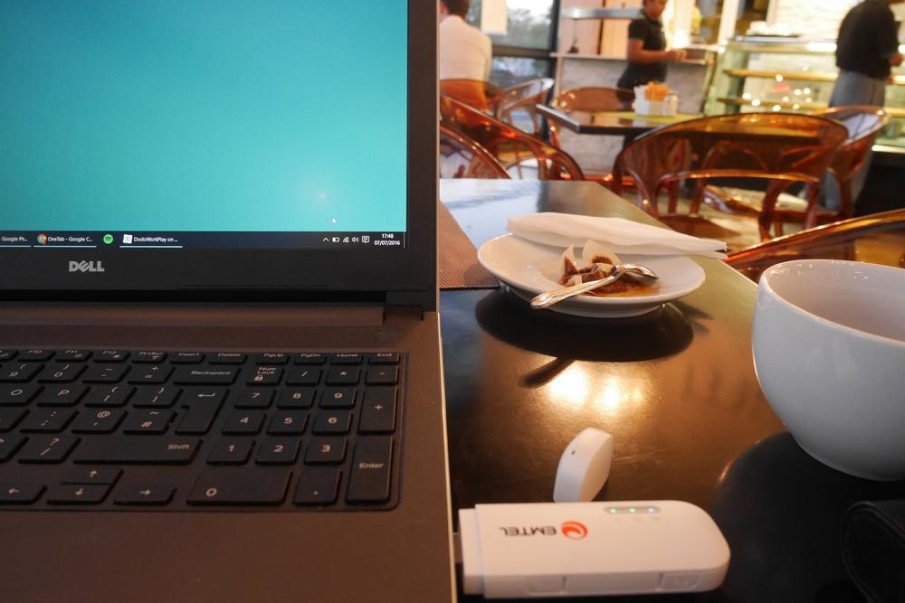 roibos_tea_cafe_grand_baie_working