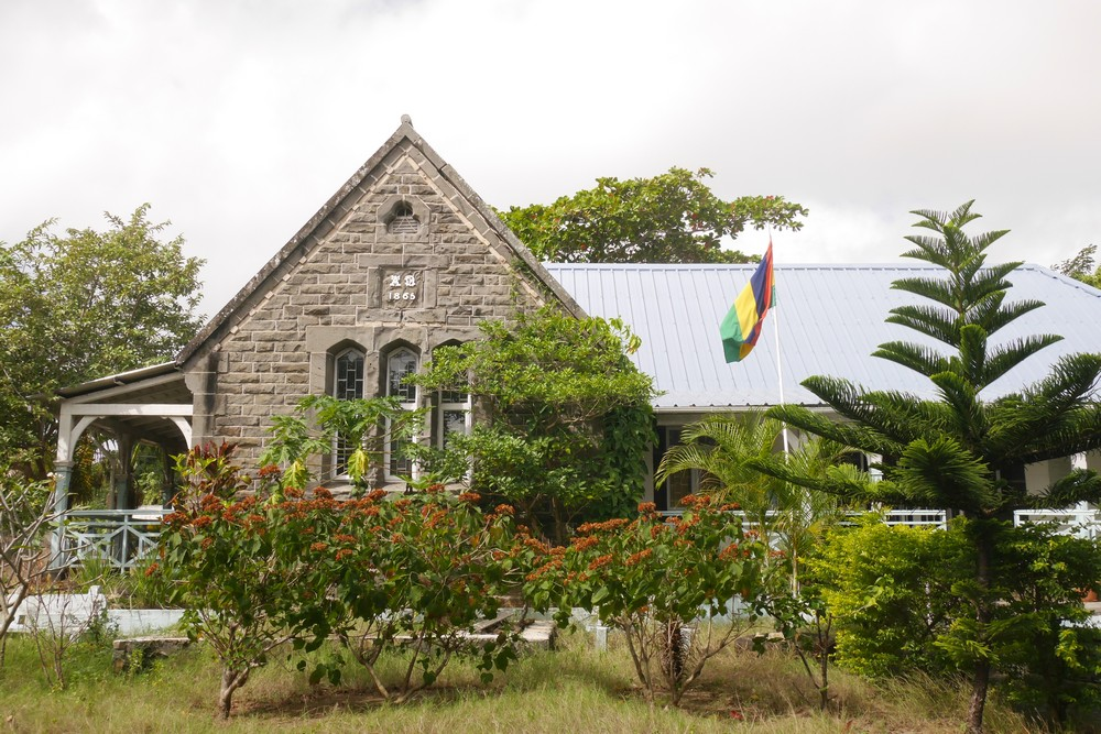 grand-bay-library-building-outside-space-mauritius