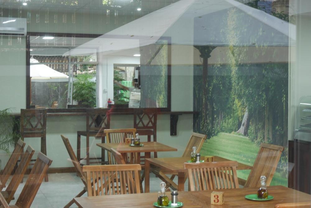 port_louis_capital_mauritius_workspace_cafe