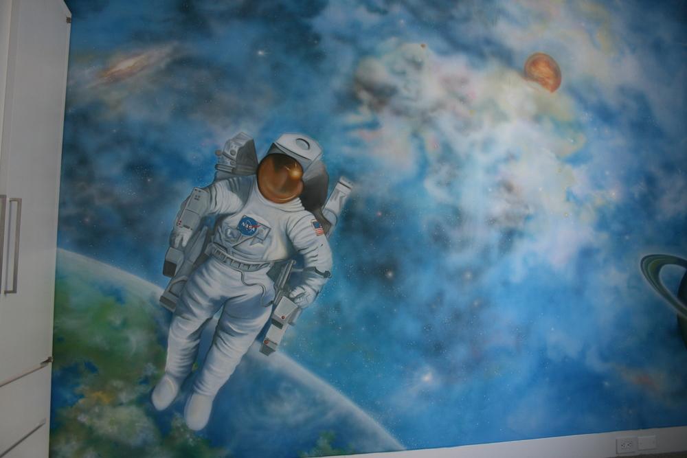 astronaut mural - photo #9