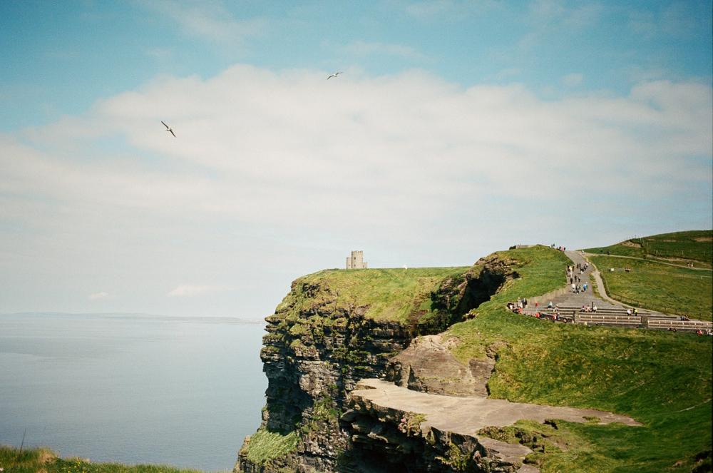 cliffsofmoher_daphnetan_3