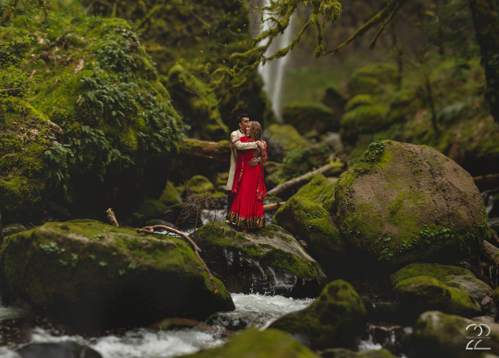 Elowah Falls Elopement | Portland Wedding Photographers | Indian Wedding Photographers
