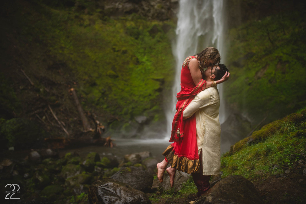 Portland Wedding Photography | Elowah Falls