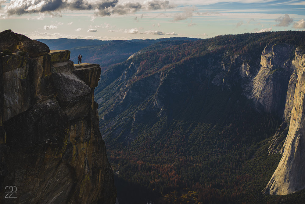 Yosemite Engagement Photos | Yosemite National Park Engagement | Engagement Photos in Yosemite | Yosemite Elopements | Weddings in Yosemite | California Wedding Photographers | Destination Wedding Photographers | Taft Point Photos | Taft Point Engagement