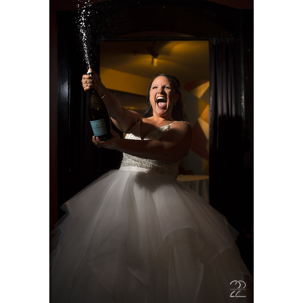 20th Century Theater Weddings | Cincinnati Wedding Venues | Wedding Photographers in Cincinnati | Dayton Wedding Photographers | Columbus Wedding Photographers | Best Wedding Photographers in Ohio | Fearless Photographers | Destination Wedding Photographers