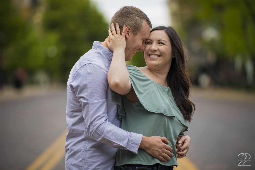 Oregon District Engagement Photos | Dayton Engagement Photos | Wedding Photographers in Dayton | Columbus Wedding Photographers