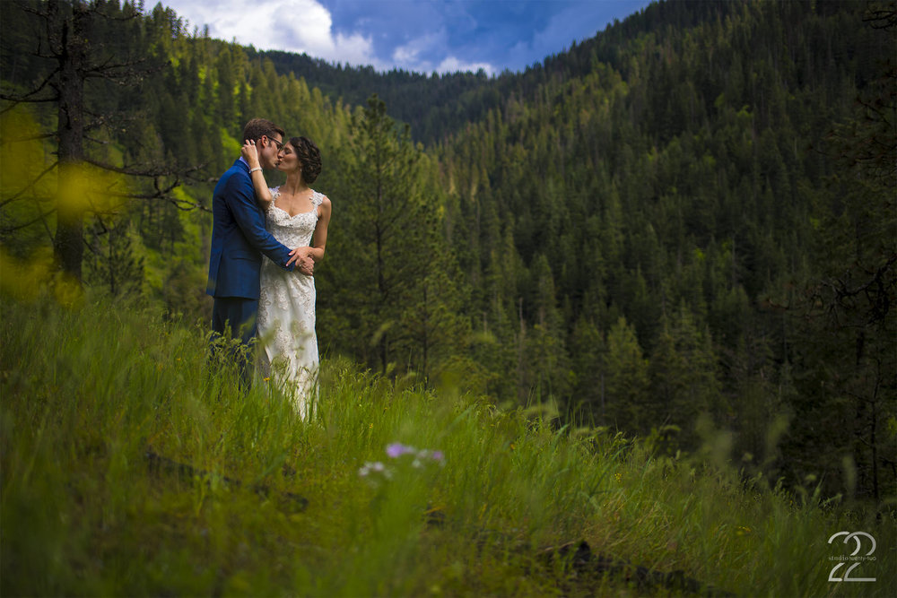 Coeur d'Alene Wedding Photos | Spokane Wedding Photographers | Best Spokane Wedding Photographers | Wedding Photographers in Portland | Vancouver Wedding Photographers