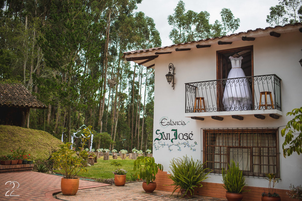 Estancia San Jose Cuenca Ecuador | Cuenca Wedding Photographer | Wedding Photos in Quito Ecuador