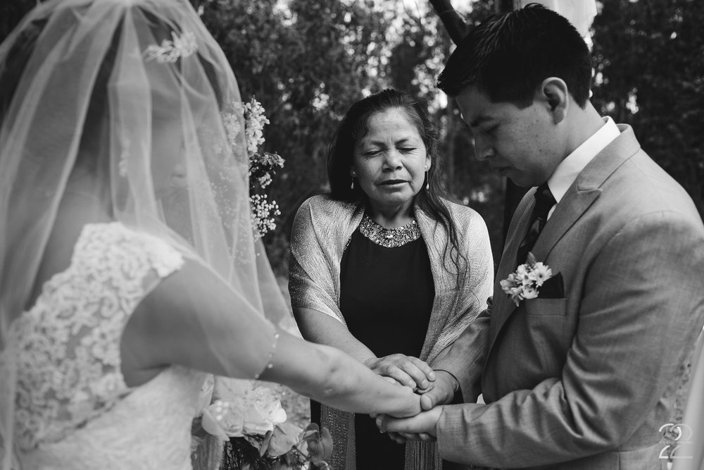 Destination Wedding Photo in Cuenca Ecuador | Religious Wedding Ceremony Photo | South American Wedding Photo | Ecuador Destination Wedding